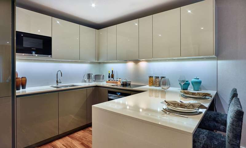 3 Bedrooms Flat for sale in Battersea Reach, Battersea, SW18
