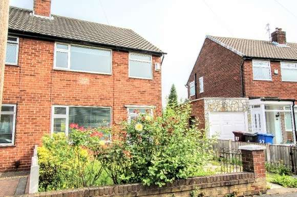 3 Bedrooms Semi Detached House for sale in Sinclair Avenue, Prescot