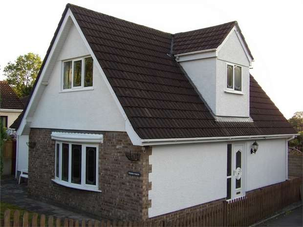 3 Bedrooms Detached House for sale in Upper Mill, Pontarddulais, Swansea, West Glamorgan