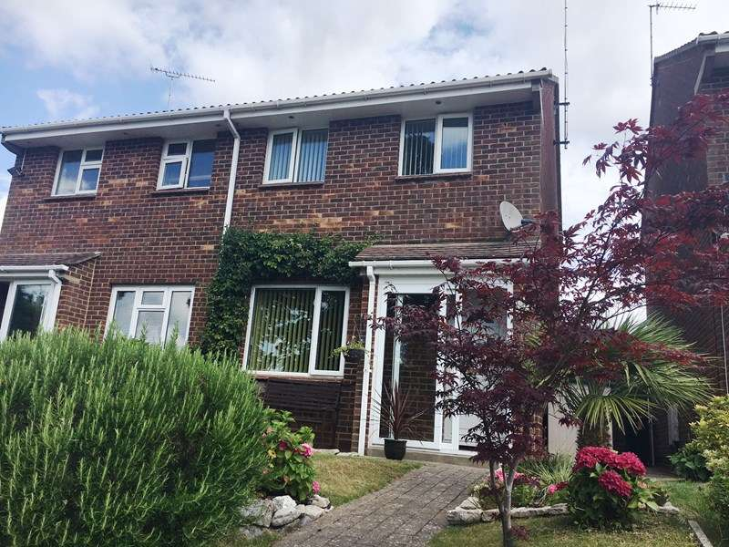 2 Bedrooms Semi Detached House for sale in Watery Lane, Poole