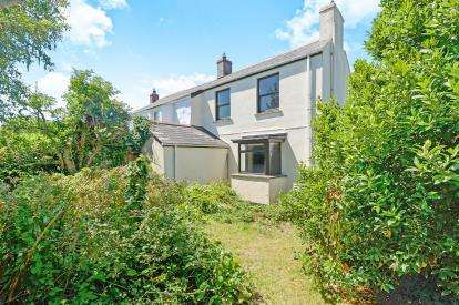 2 Bedrooms Semi Detached House for sale in Lewannick Road, Cubert, Newquay