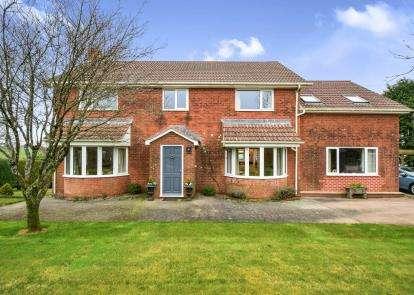5 Bedrooms Detached House for sale in Totnes, Devon, .