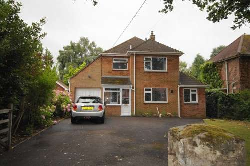 3 Bedrooms House for sale in Farm Road, West Moors