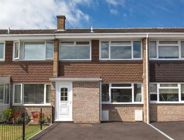 3 Bedrooms Terraced House for sale in Keward Close, Wells