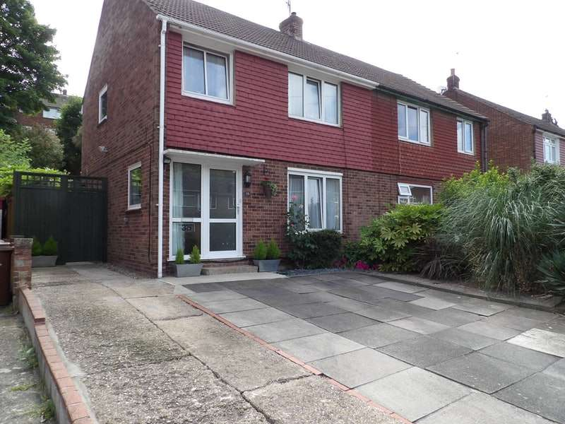 3 Bedrooms Semi Detached House for sale in Holland Road, Chatham, Kent, ME5