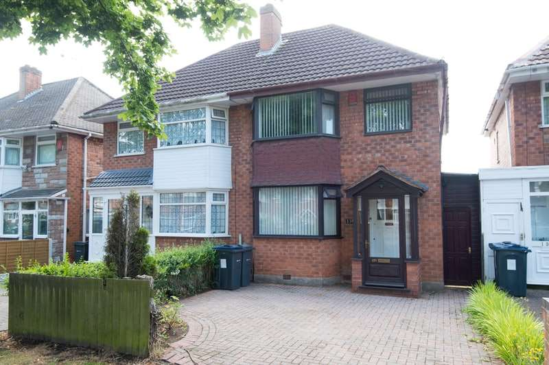 3 Bedrooms Semi Detached House for sale in Hodge Hill Road, Birmingham, West Midlands, B34