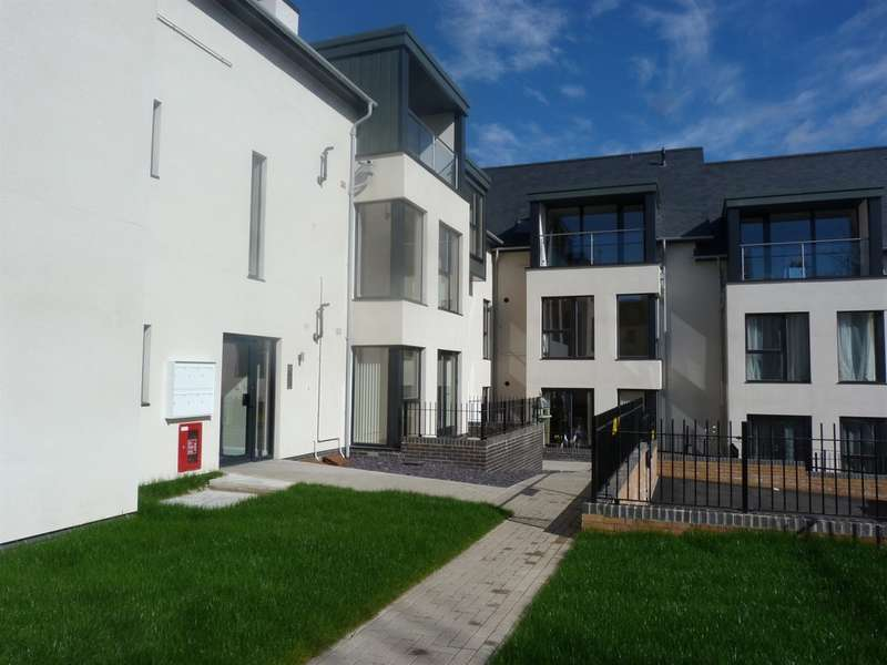 2 Bedrooms Penthouse Flat for sale in Dixton Road, Monmouth