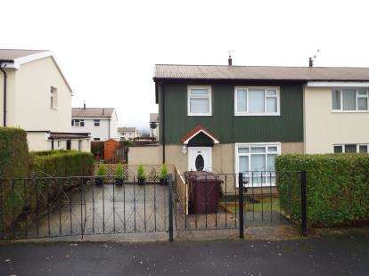 3 Bedrooms Semi Detached House for sale in Fleetwood Road, Burnley, Lancashire, BB10