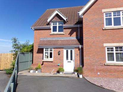 2 Bedrooms Semi Detached House for sale in Copa'r Bryn, Llysfaen, Colwyn Bay, Conwy, LL29