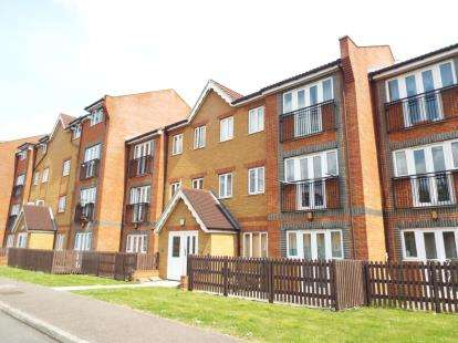1 Bedroom Flat for sale in Foundry Gate, Waltham Cross, Hertfordshire