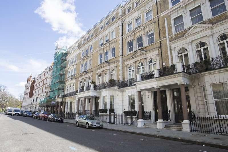 2 Bedrooms Flat for sale in De Vere Gardens, London, London, W8