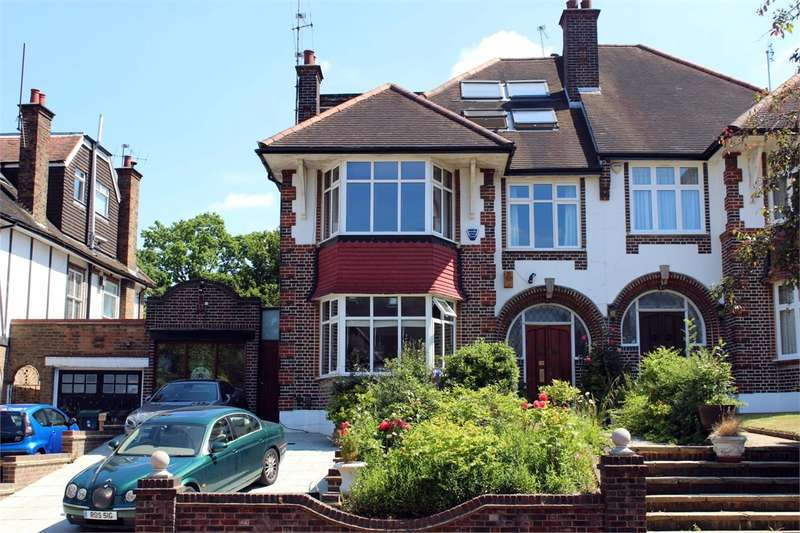 5 Bedrooms Semi Detached House for sale in Beech Drive, Ringwood Estate, London