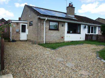 2 Bedrooms Bungalow for sale in Lakenheath, Brandon, Suffolk