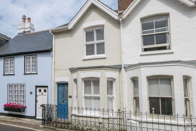 2 Bedrooms Cottage House for sale in Cowes, Isle Of Wight