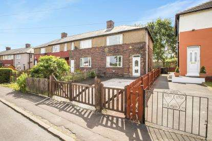 3 Bedrooms End Of Terrace House for sale in Denfield Crescent, Halifax, West Yorkshire