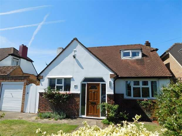 3 Bedrooms Detached House for sale in Greenwood Road, Thames Ditton