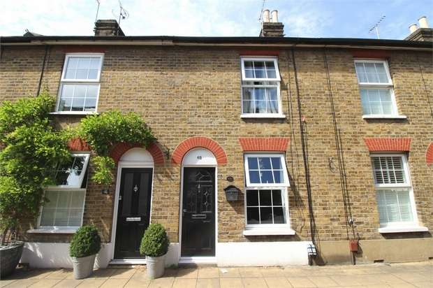 3 Bedrooms Terraced House for sale in Woollard Street, Waltham Abbey, Essex