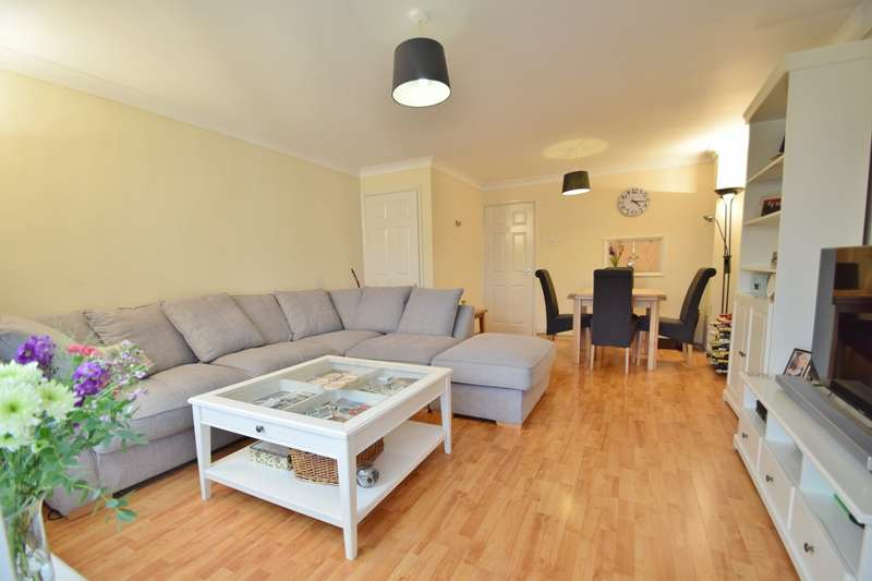3 Bedrooms Terraced House for sale in Badger Farm