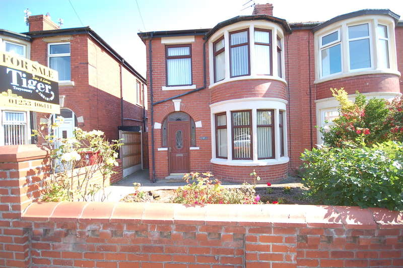 3 Bedrooms Semi Detached House for sale in Blenheim Avenue, Blackpool