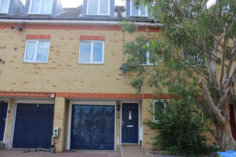 4 Bedrooms Town House for sale in High Tor View, Thamesmead, SE28 0LN