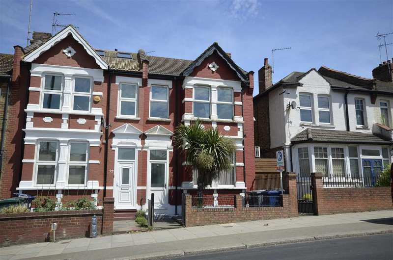 3 Bedrooms End Of Terrace House for sale in Oakleigh Road South, London
