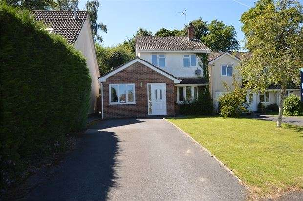 4 Bedrooms Detached House for sale in Kiln Road, Bovey Tracey, Devon. TQ13 9YJ