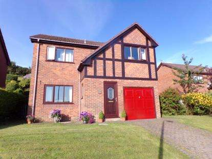 4 Bedrooms Detached House for sale in Bryn Cadno, Colwyn Bay, Conwy, LL29