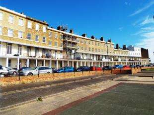 1 Bedroom Flat for sale in Wellington Crescent, Ramsgate, Kent