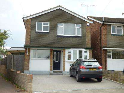 3 Bedrooms Detached House for sale in Leigh-On-Sea, Essex, England