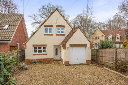 4 Bedrooms Detached House for sale in Fakenham, Norfolk, England