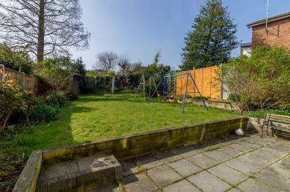 4 Bedrooms Semi Detached House for sale in Rayleigh, Essex, United Kingdom