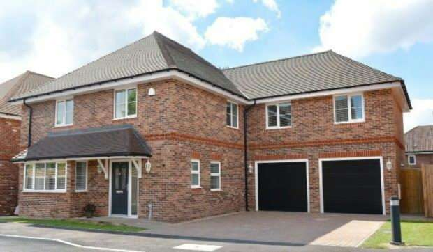 5 Bedrooms Detached House for rent in Dearlove Place, Shinfield, RG2 9FZ