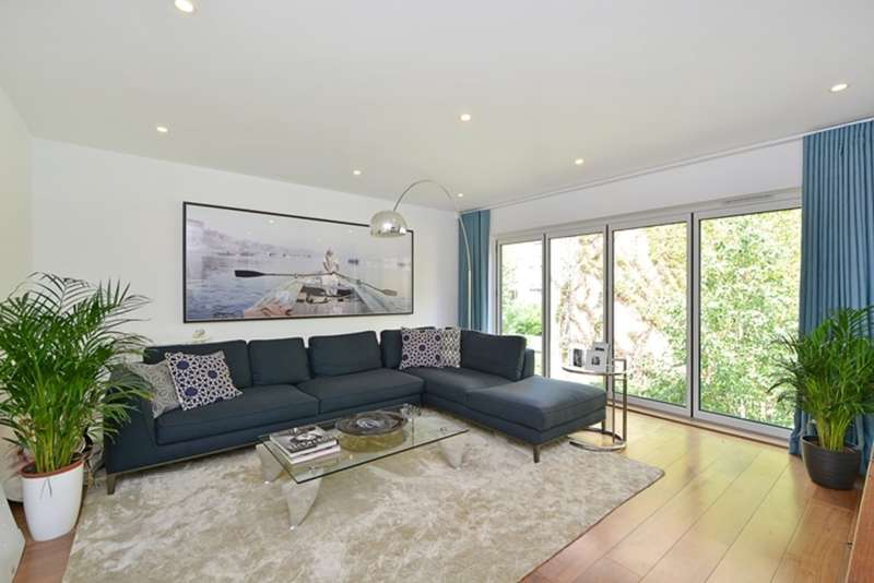 4 Bedrooms Terraced House for sale in Lucerne Road, London