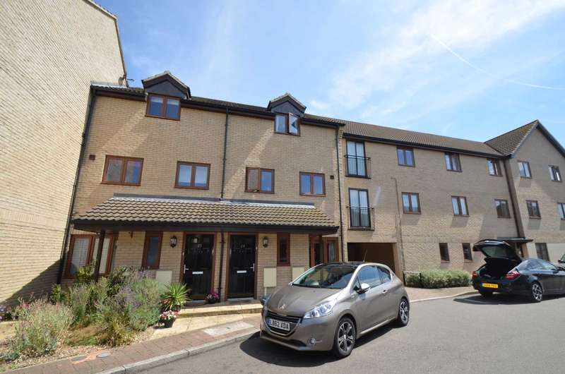 2 Bedrooms Duplex Flat for sale in Broughton