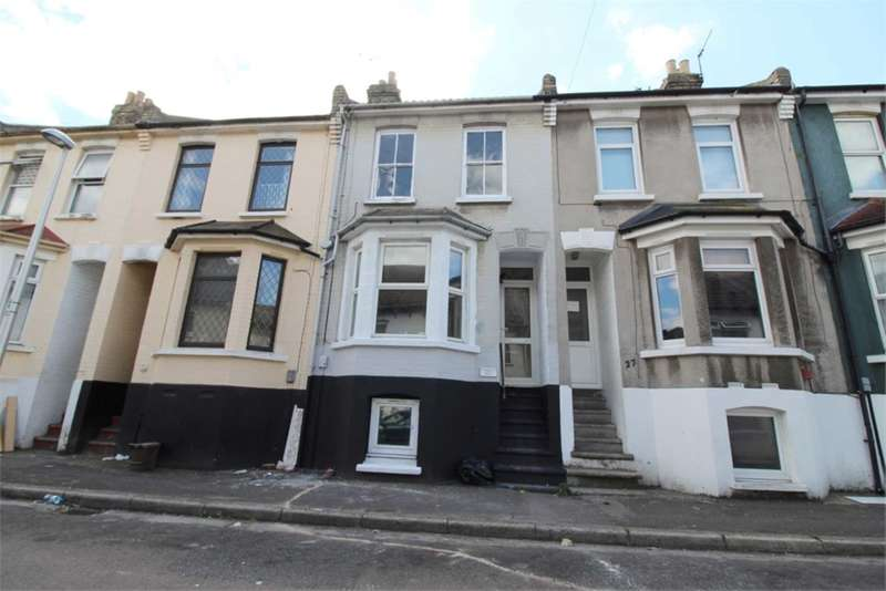 3 Bedrooms House for sale in Ernest Road, Chatham