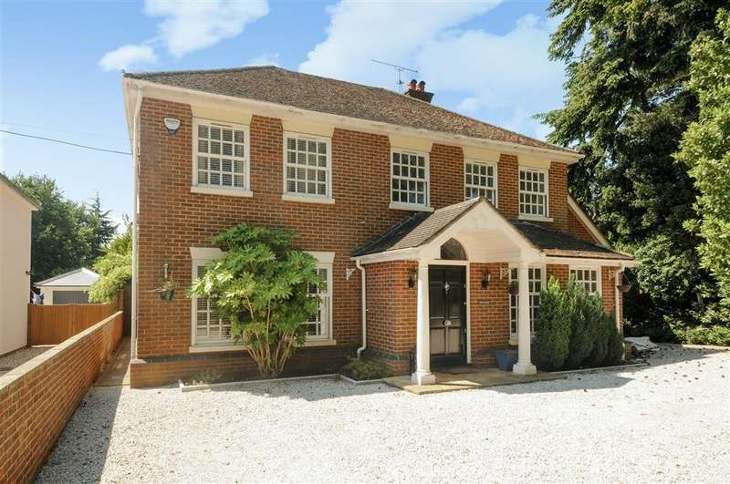 4 Bedrooms Detached House for rent in Chazey Road, Caversham, Reading, RG4