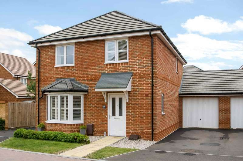4 Bedrooms Detached House for sale in Milton, Hampshire