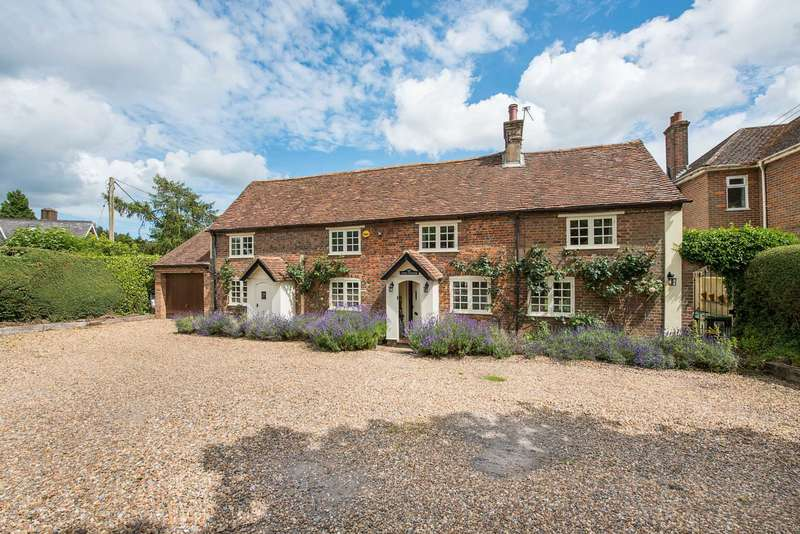 4 Bedrooms Cottage House for sale in Chesham Road, Wigginton, Hertfordshire