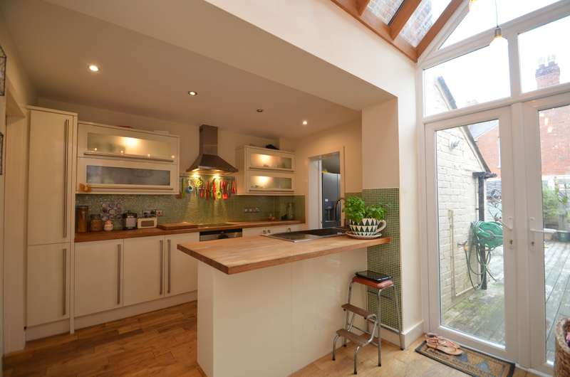 3 Bedrooms Terraced House for sale in Exeter