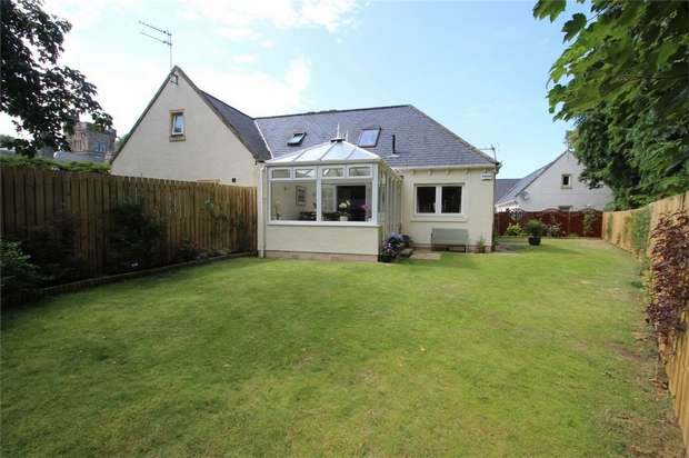 3 Bedrooms Terraced House for sale in 5 Jock Glass Courtyard, Elgin, Moray