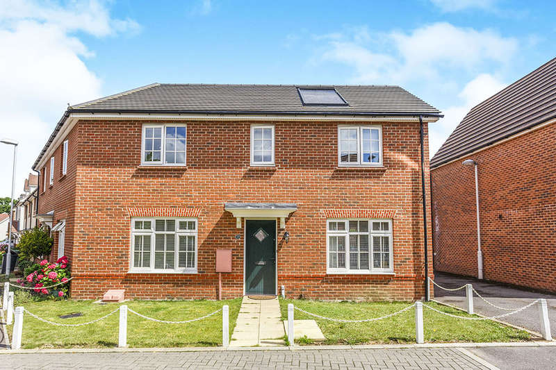 2 Bedrooms Semi Detached House for sale in St. Catherines Road, Maidstone, ME15