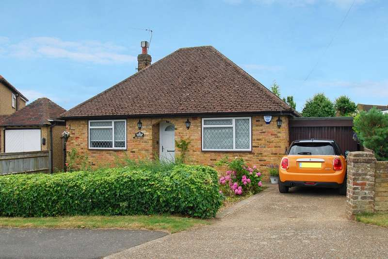 2 Bedrooms Detached Bungalow for sale in Howard Crescent, Seer Green, Beaconsfield, HP9