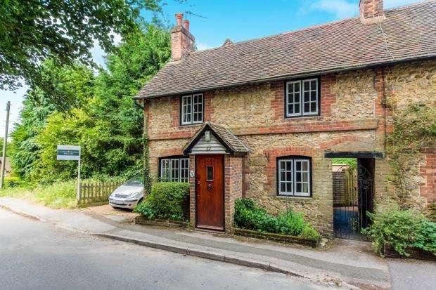 3 Bedrooms Terraced House for sale in Hoe Lane, Peaslake, Guildford