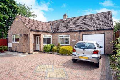 2 Bedrooms Bungalow for sale in Scothern Road, Nettleham, Lincoln, .