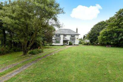 5 Bedrooms Detached House for sale in St. Merryn, Padstow, Cornwall