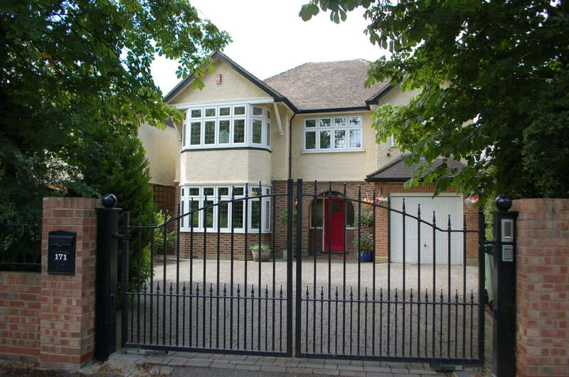 6 Bedrooms Detached House for sale in Lower Sunbury