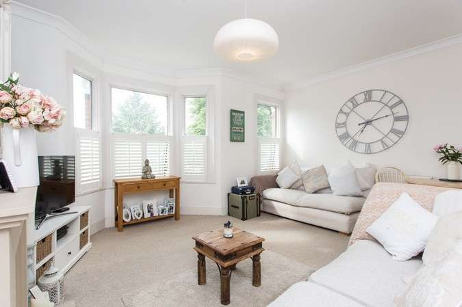 1 Bedroom Flat for sale in Dorchester Grove, Chiswick