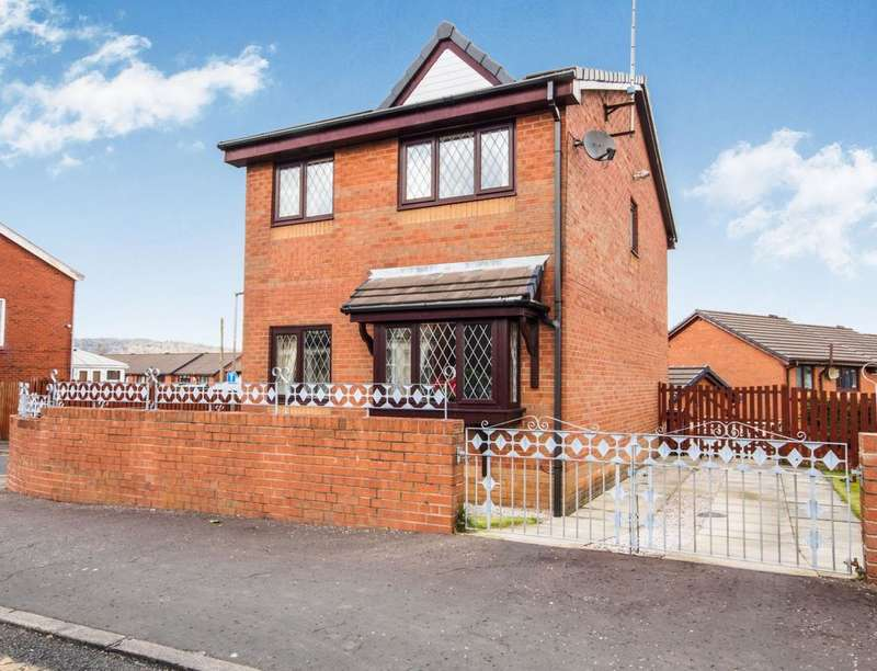 3 Bedrooms Detached House for sale in New Wellington Close, Blackburn, BB2