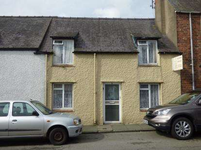 2 Bedrooms Terraced House for sale in Wexham Street, Beaumaris, Anglesey, North Wales, LL58