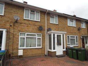 3 Bedrooms Terraced House for sale in Eynsham Drive, London